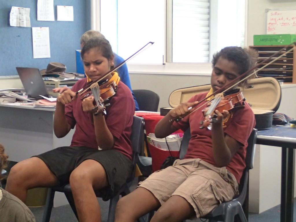 Violinists at Djarindjin-Lombadina (G. Howell)